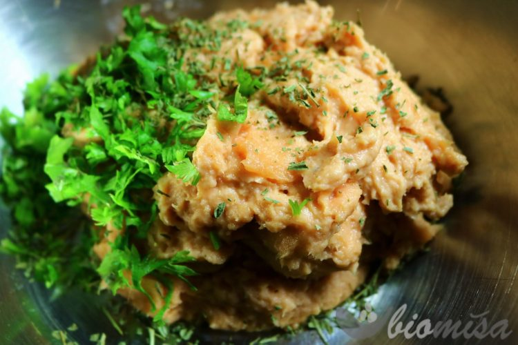 Mixovaný losos s petrželkou